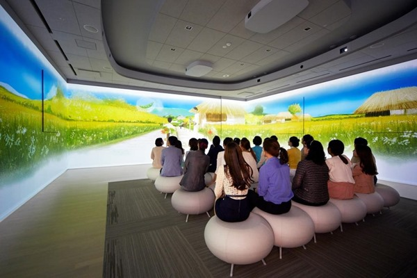 StoryGarden_by_AMOREPACIFIC