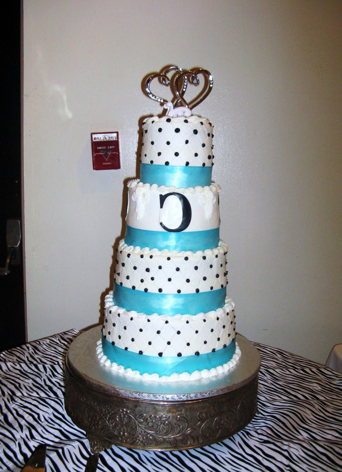 turquoise and black wedding