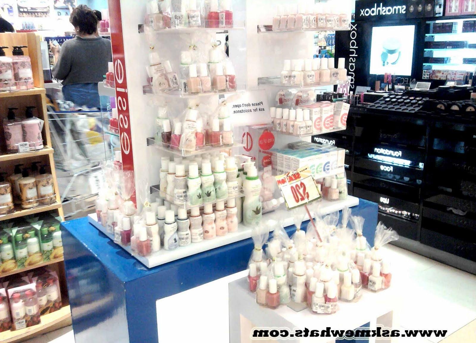 Ohhh look at Smashbox Counter,