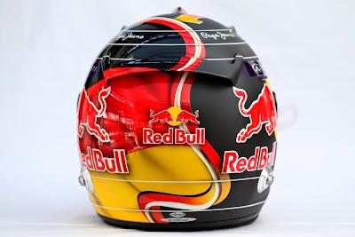 специальный дизайн шлема Себастьяна Феттеля в честь победы сборной Германии по футболу для Гран-при Германии 2014 - вид сздади