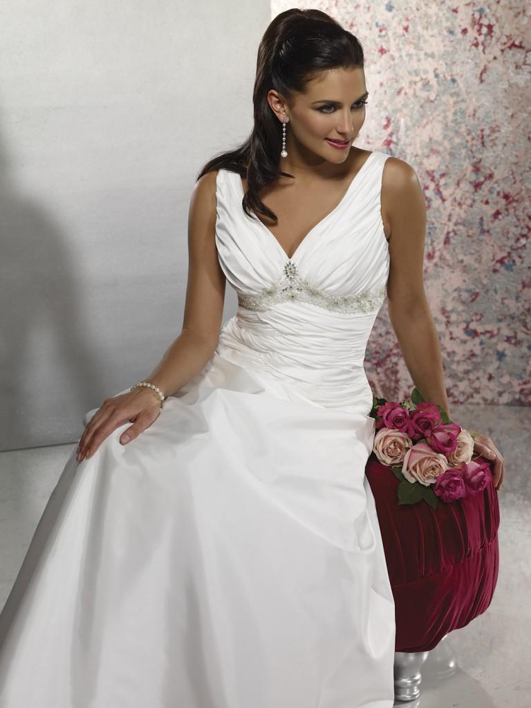 simple wedding gown 768x1024