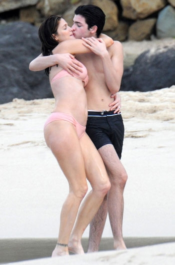 Stephanie Seymour Son Kissing