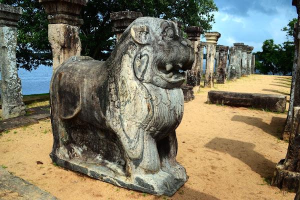 Руины города Полоннарува, Шри Ланка