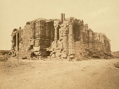 798px-Somnath_temple_ruins_(1869)