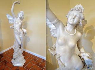 Красивая антикварная скульптура из мрамора. 19-й век. Высота 150 см. 35000 евро.