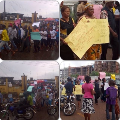 PHOTOS: Onitsha Residents Protesting Over News That Boko Haram Prisoners Are Being Relocated To Onitsha And Ekwulobia Prison 2