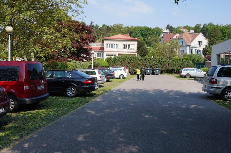 Парковка отеля Hotel Michael в Праге