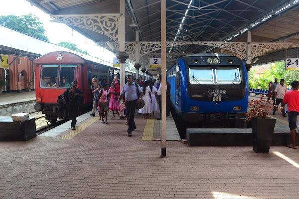 ЖД станция в Канди, Шри Ланка