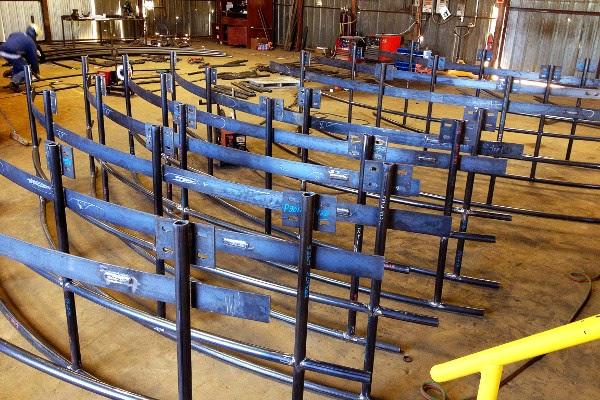 Custom Radius Carbon Steel Pipe Handrail Fabrication