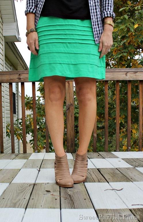 [green-skirt-black-top-plaid-button-down-booties-2%255B3%255D.jpg]