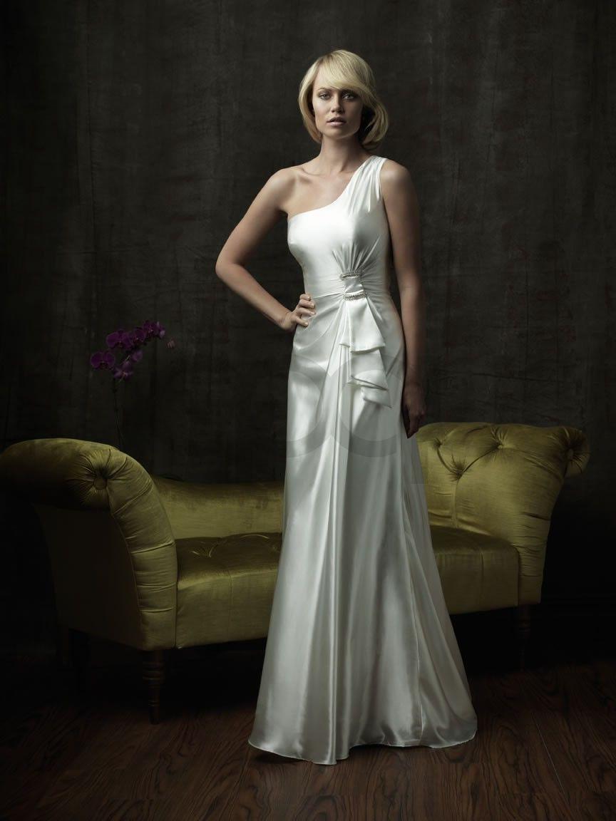 Dresses  953 . Column