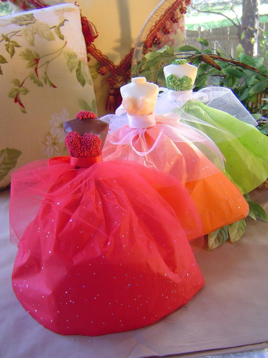 These amazing wedding favors are custom made to order and absolutely