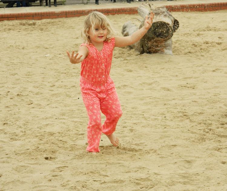 Gracie-Sand