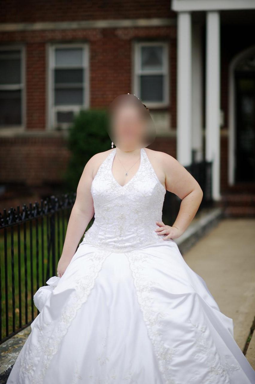 WEDDING DRESS - PLUS SIZE