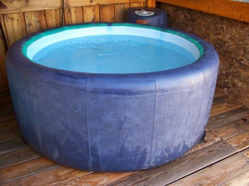 beautiful-small-portable-hot-tub-with-a-round-shape