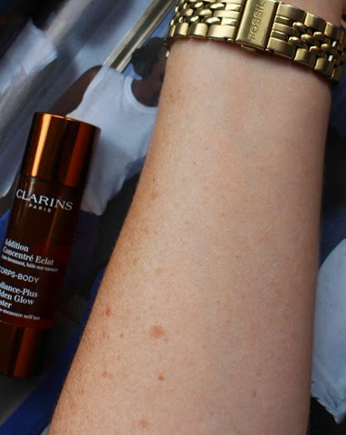 Clarins-Radiance-Plus-Golden-Glow-Booster-Body-applied