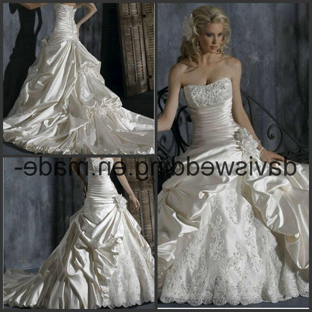 simple wedding dress Choosing