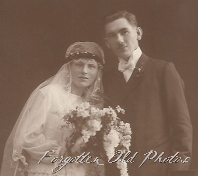 Unknown Foreign Couple 1925    DL Ant