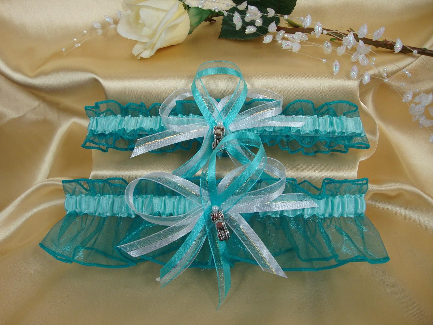aqua and turquoise weddings
