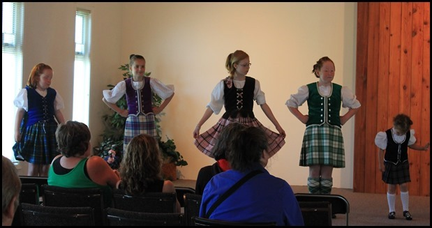 Highland-Dancers_thumb3