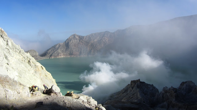Ijen's large, turquoise, highly-acidic crater lake.