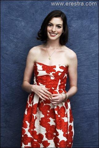 Anne Hathaway08.