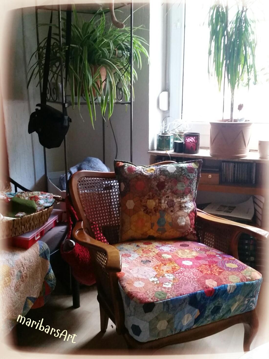 rund um meine n hwelt und mehr hier ein alter sessel der dringend eine auffrischung brauchte. Black Bedroom Furniture Sets. Home Design Ideas