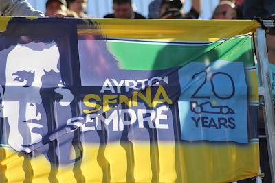 баннер Айртона Сенны на трибуне Сочи на Гран-при России 2014