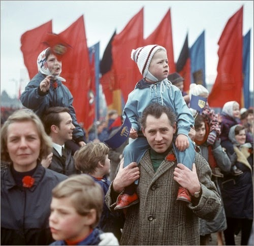 DDR - 1. Mai Demonstration 1970, Photo by Klaus Morgenstern