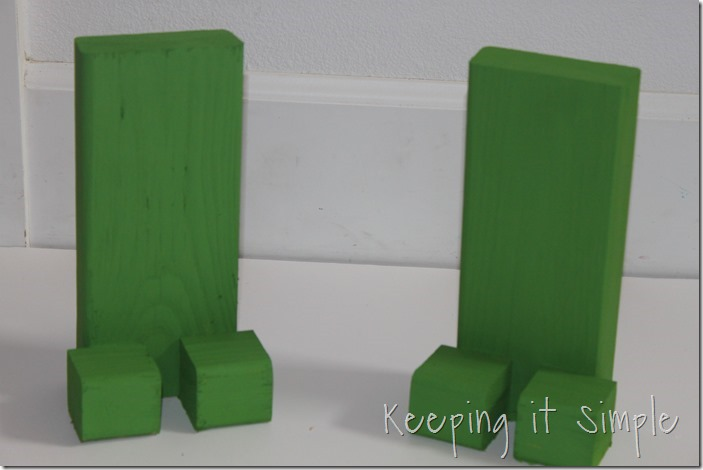 Easy-DIY-Minecraft-Creeper-Book-Ends (4)