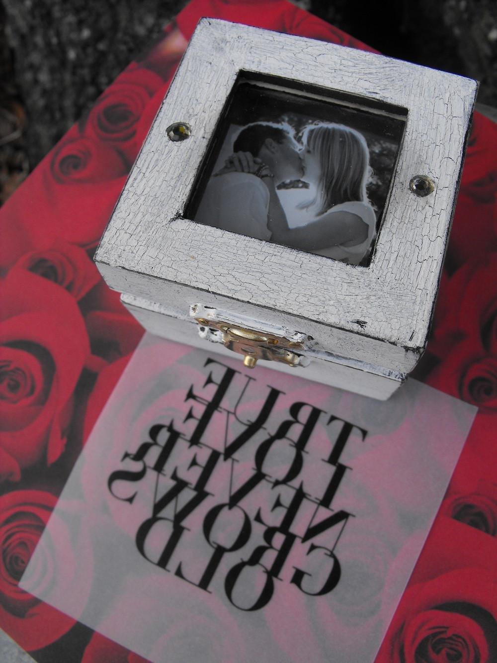 and White Wedding Ring Box