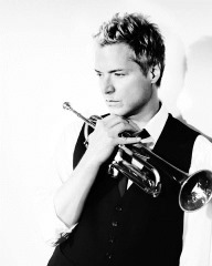 Chris Botti 300dpi