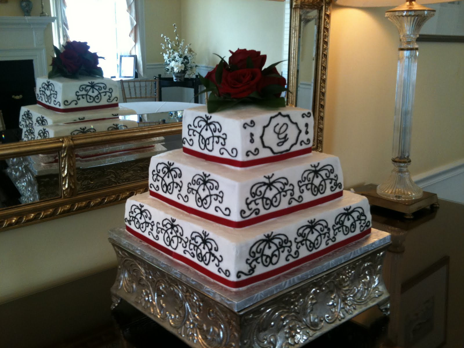 this stunning wedding cake
