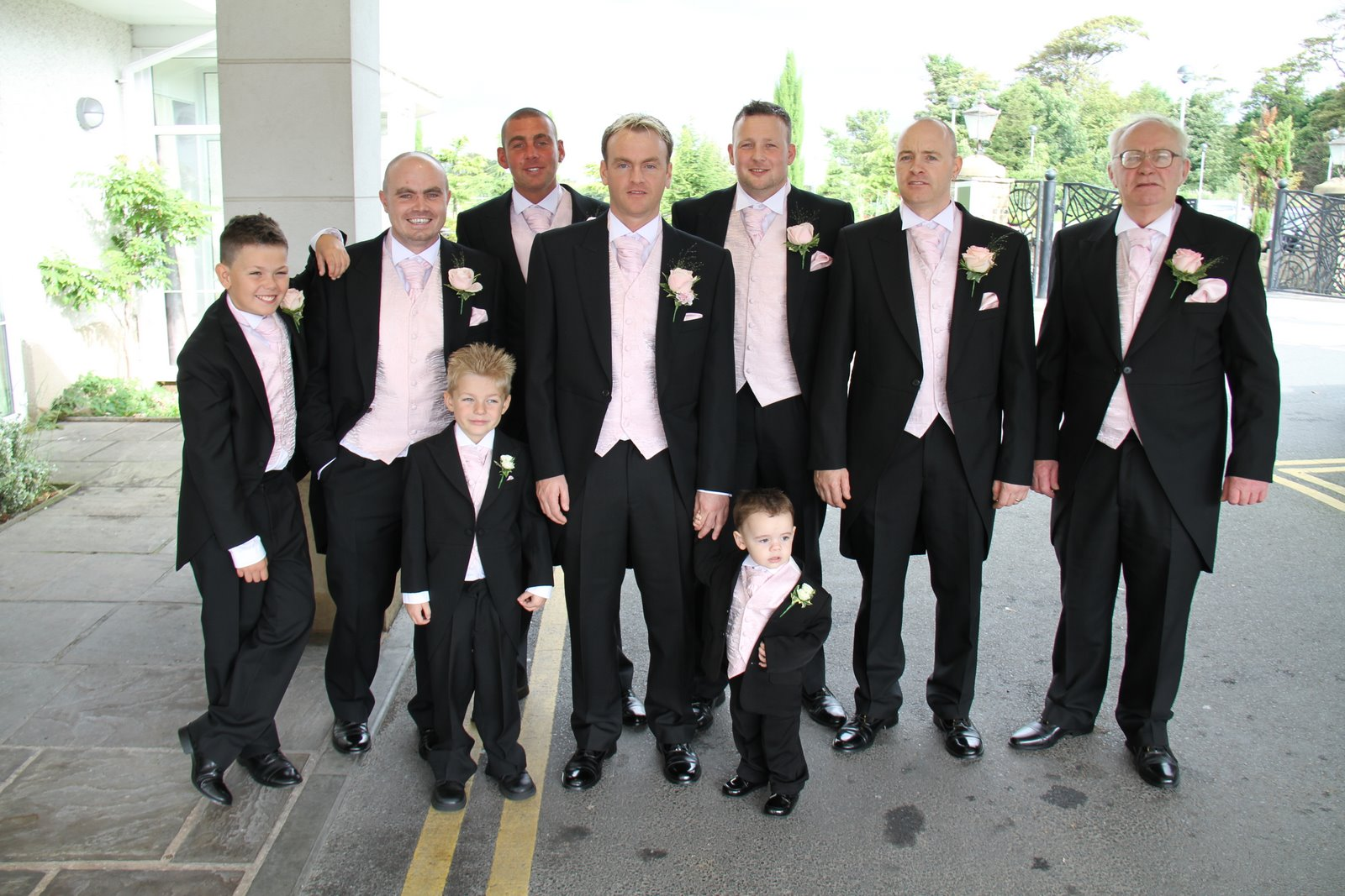 grooms men wedding pictures
