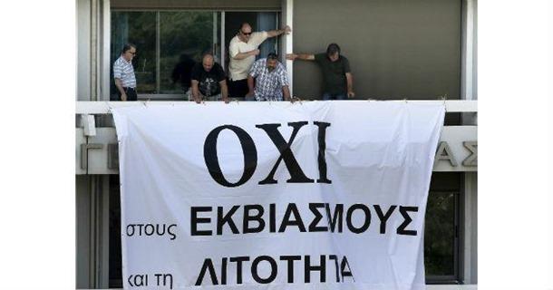 Alemania y Francia piden cumbre por Grecia