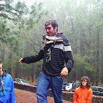 Julio pasando el tronco