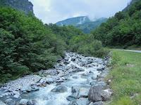 Hoch auf der Nord-Ost-Rampe des Col de la Madeleine (1993 m).
