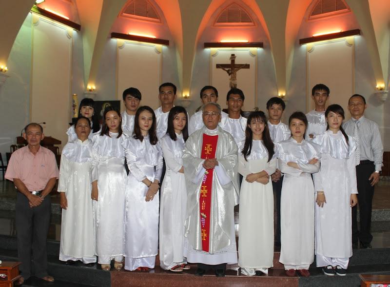 Thánh lễ ban bí tích khai tâm Kitô giáo cho các dự tòng