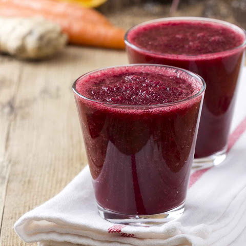 Drop a Beet & Grapefruit Detox Juice