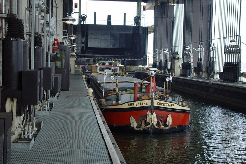 strepy-thieu-boat-lift-18