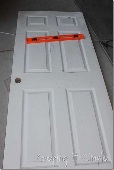 DIY-headboard-Made-from-a-door (2)