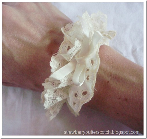Cream Colored Lace Wrist Cuff