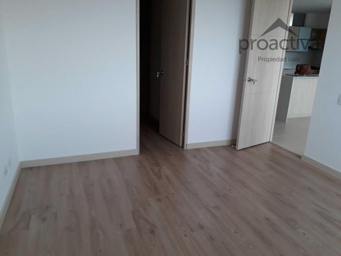 apartamento en arriendo altos del poblado 497-6756