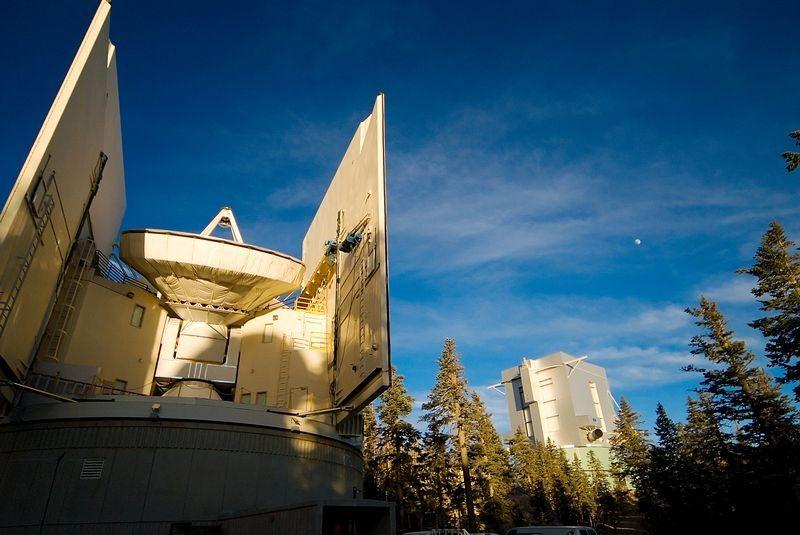 large-binocular-telescope-10