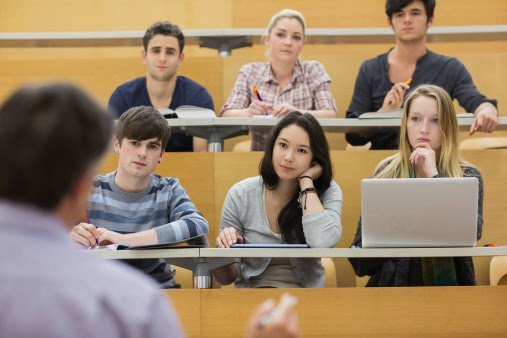 Why Students Should Consider Community College as a Smart Option