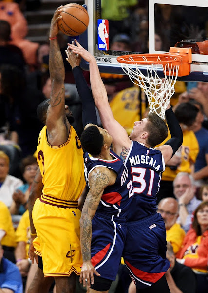 LeBron8217s Triple Double Lifts Cavs in Thriller to Take 30 Lead