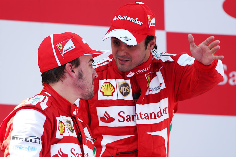 Фернандо Алонсо и Фелипе Масса на подиуме Гран-при Испании 2013