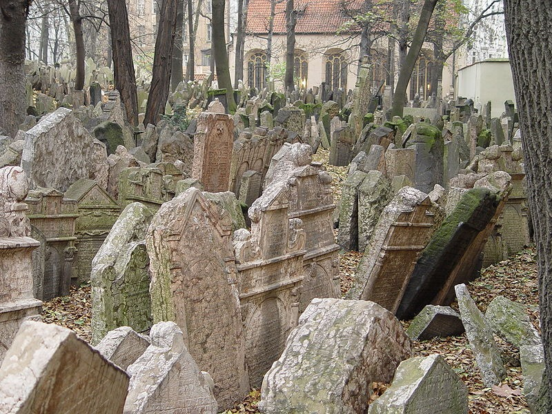 old-jewish-cemetery-10
