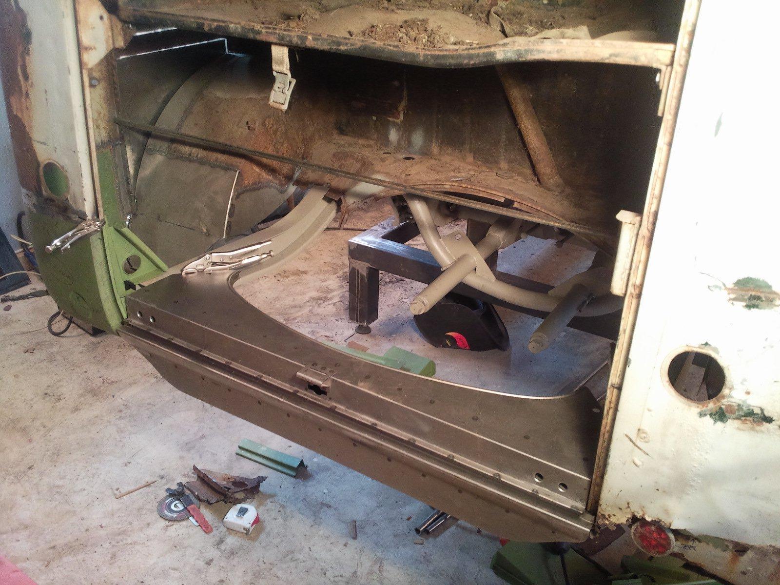 ---------- VW ---------- 1954 Kombi 1958 Beetle