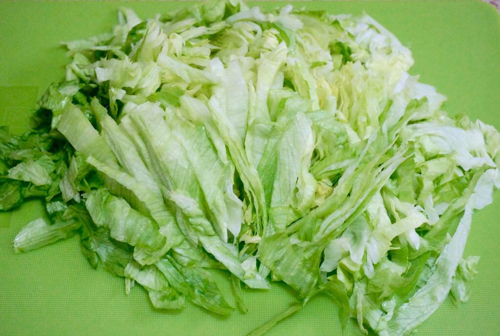Салат с айсбергом и морковью